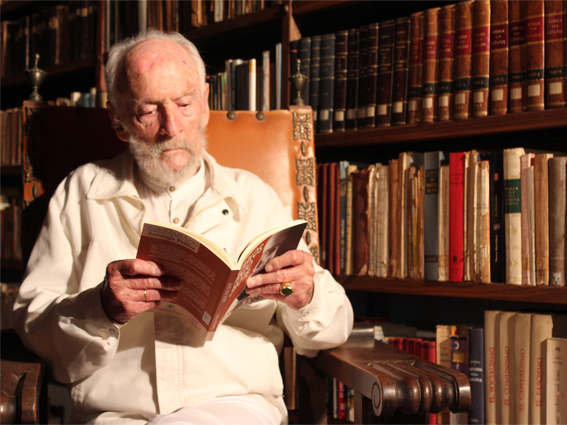 Carlos Pinto Grote, neuropsiquiatra, maestro, poeta y escritor