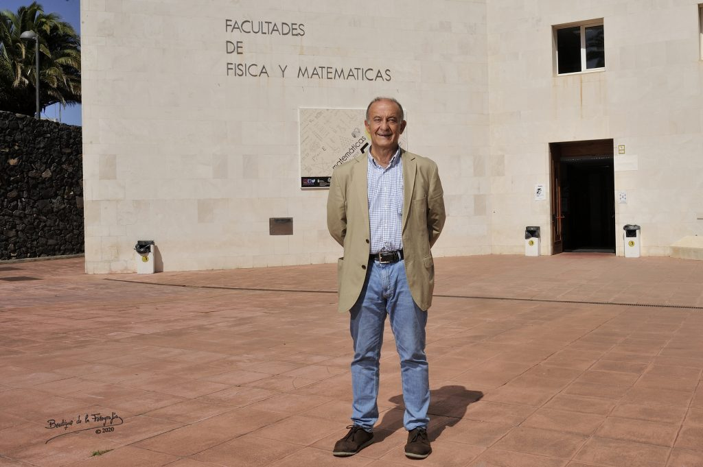 Matías Camacho Machín es miembro del Departamento de Análisis Matemático, de la ULL. Fotógrafo: Boutique de la Fotografía. Estas Fotos tienen Derechos de Autor.